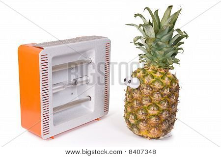 pineapple with Facial solarium