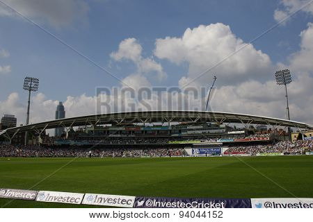 LONDON, ENGLAND - August 25: A general view of play during the Investec Ashes cricket match between England and Australia played at The Kia Oval Cricket Ground on August 25, 2013 in London, England.