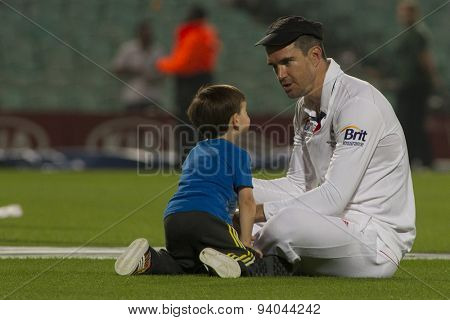 LONDON, ENGLAND - August 25: Kevin Pietersen plays with his son after the award ceremony and Urn presentation for the Investec Ashes cricket match between England and Australia