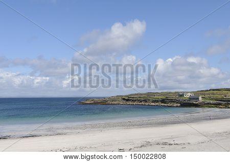 Transparent waters of Kilmurvey Beach in Inishmore, the biggest of Aran Islands, Galway Bay, Ireland, Europe