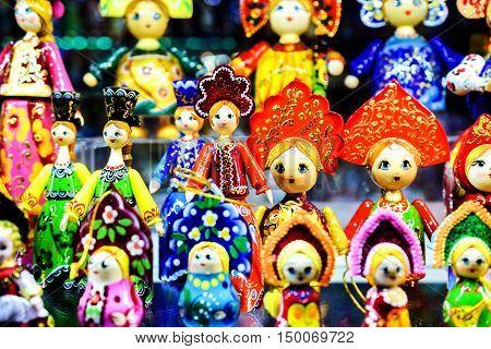 Moskau, Russia - July 22, 2016: Colorful Russian Nesting Dolls Matreshka at Market. Matrioshka Most Popular Souvenir From Russia.