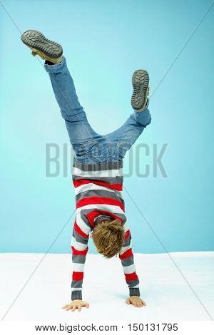 Acrobatic feat