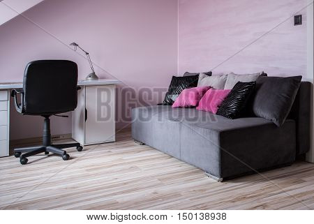 Cosy New Design Room