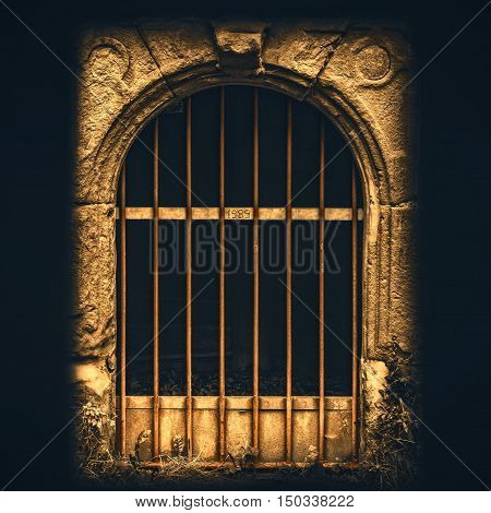 The mysterious gate of 1989 artwork picture