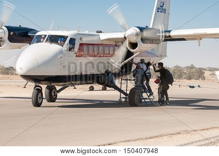 De Havilland Canada Dhc-6-100 Twin Otter Aiplane And Parachute Jumpers In Sde-teyman Airport. Beer-s