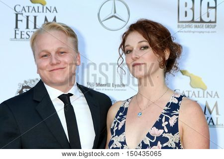 LOS ANGELES - OCT 1:  Sean Lee, Dana Brawer at the Catalina Film Festival - Saturday at the Casino on October 1, 2016 in Avalon, Catalina Island, CA