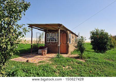 Alternative Vacation Building