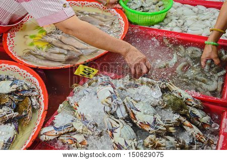 closeup flower crabs or sand crabs ready for sale in local market