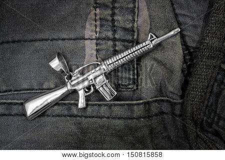 Pendant For Men - Assault Rifle M16