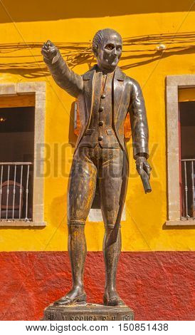Miguel Hidalgo Statue Alhondiga de Granaditas Guanajuato Mexico. Statue erected 1871 located at spot where Hidalgo led attack on Granary in 1810 Mexican War of Independence. Hidalgo was the head of the rebellion