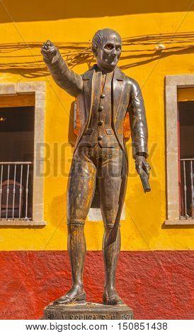 Miguel Hidalgo Statue Alhondiga de Granaditas Guanajuato Mexico. Statue erected 1871 located at spot where Hidalgo led attack on Granary in 1810 Mexican War of Independence. Hidalgo was the head of the rebellion