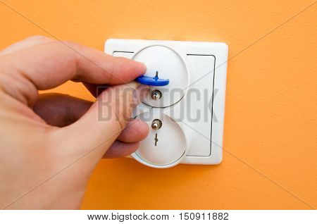 Electrical Security Plugs For Baby And Child Safety