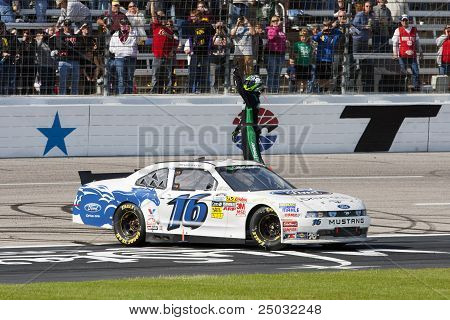 Nascar:  Nov 05 O'reilly Auto Parts Challenge