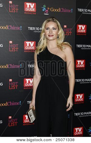 LOS ANGELES - NOV 7: Elisha Cuthbert auf der TV Guide Magazin Hot Liste Party anlässlich der Greystone M