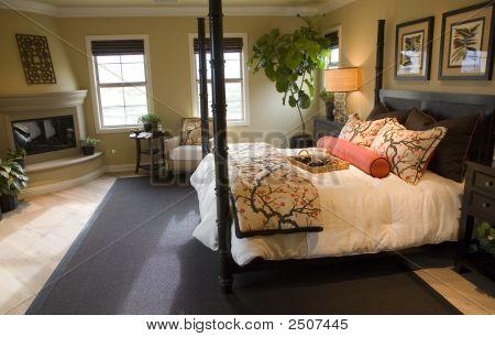 Bedroom 2701