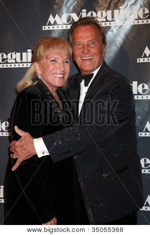 LOS ANGELES - FEB 18:  Shirley Foley Boone, Pat Boone arrives at the 19th Annual Movieguide Awards Gala at Universal Hilton Hotel on February 18, 2011 in Los Angeles, CA