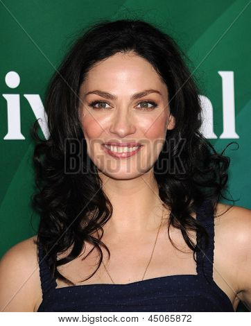 LOS ANGELES - APR 22:  Joanne Kelly arrives to the NBC Universal Summer Press Day 2013  on April 22, 2013 in Pasadena, CA.