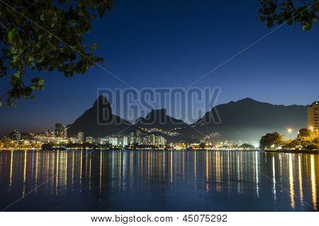 Sunset at Rodrigo de Freitas Lagoon.