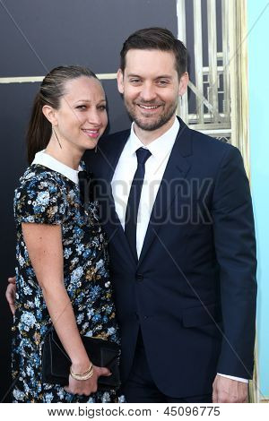 NEW YORK-NOV 18: Jennifer Meyer Maguire and actor Tobey Maguire attends the premiere of