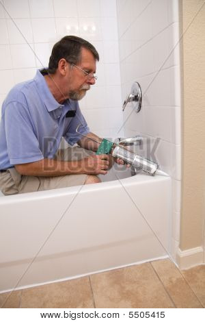 Active Contractor Caulking Tub