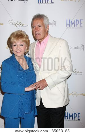 LOS ANGELES - MAY 14:  Debbie Reynolds, Alex Trebek at the