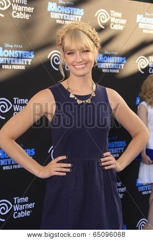 LOS ANGELES - JUN 17:  Beth Behrs at the