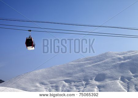 Gondola Lift And Off-piste Slope At Sun Morning