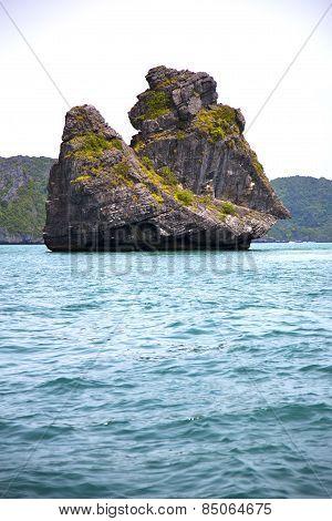Prayer Monkey Rock   Thailand Kho    Water    South China Sea