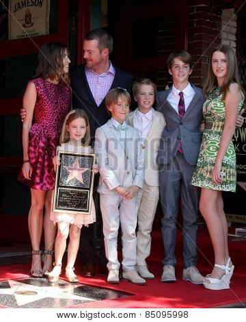 LOS ANGELES - MAR 5:  Caroline O'Donnell, Chris O'Donnell, and children at the Chris O'Donnell Hollywood Walk of Fame Star Ceremony at the Hollywood Blvd on March 5, 2015 in Los Angeles, CA