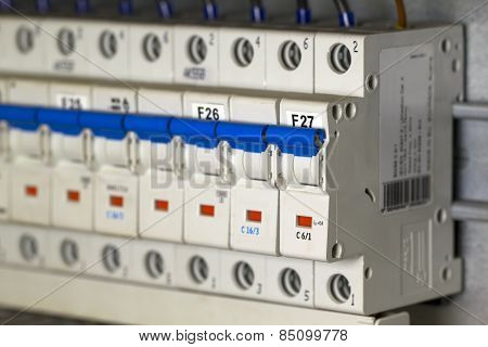 Automatic Fuse Switches