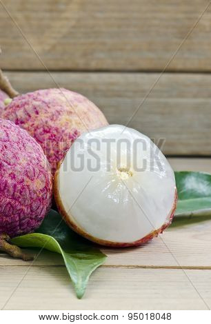 Litchi With Leave
