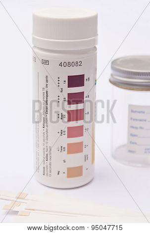 Urinalysis tub