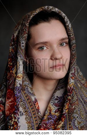 Russian Brunette Green Eyed Girl In Pavlo-posad Russian Shawl Staring