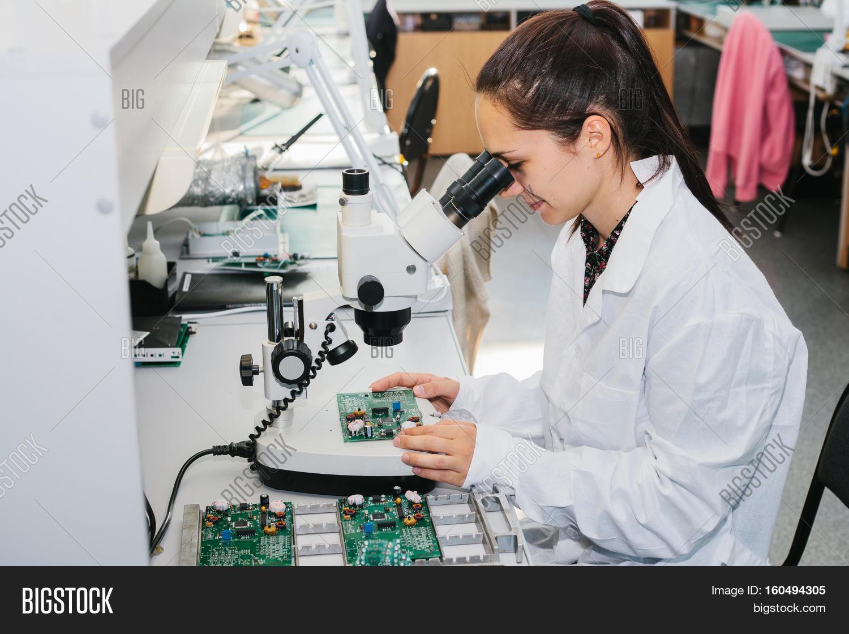 Microchip implant (human)