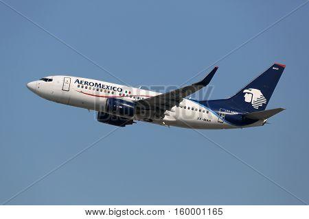 Aeromexico Boeing 737-700 Airplane