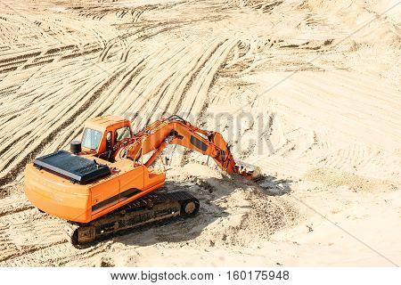 Industrial extraction of sand. heavy industrial machinery