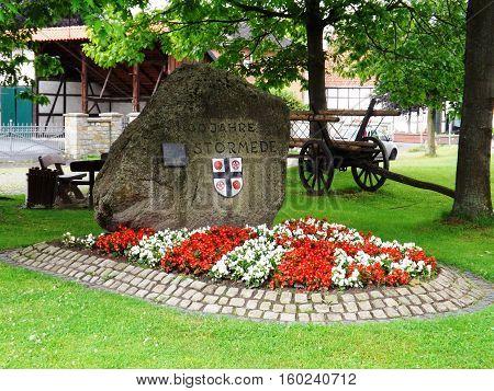 Dorfplatz in einem kleinen Dorf in Nordrhein Westfalen