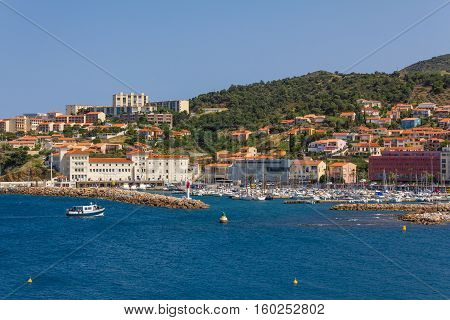 Fishing boat arriving at the port of Banyuls-sur-Mer coastal town in the south of France Mediterranean sea Roussillon Pyrenees Orientales Vermilion coast France