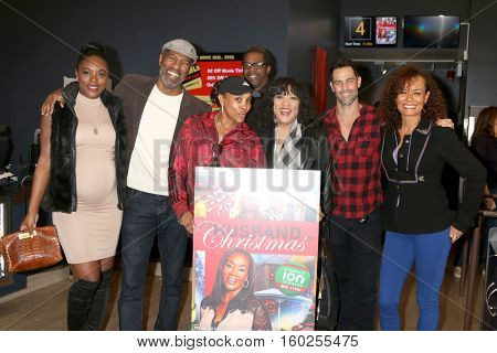 LOS ANGELES - DEC 4:  Cast at the