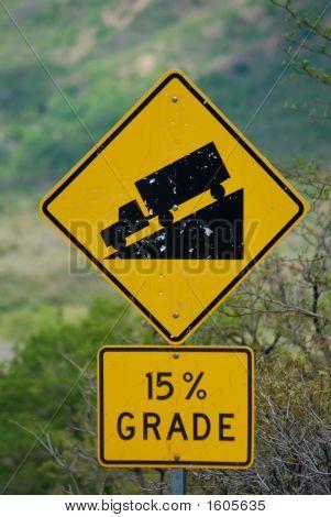 15% Grade Sign