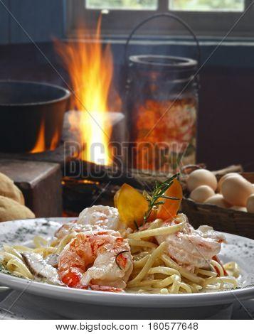 Large shrimp with pasta