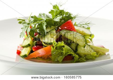 Freshness Vegetable Salad with Cucumber, Bell Pepper and Greens