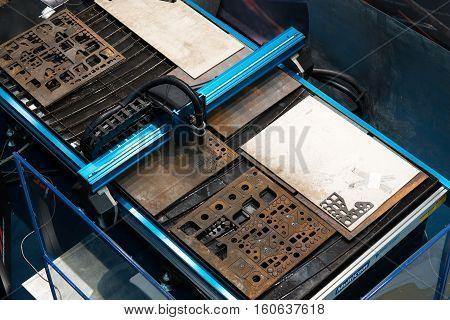 Laser metal sheet machine close up processing