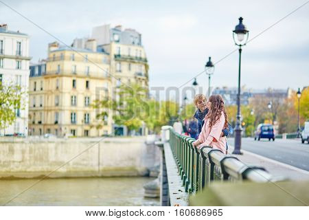 Young Dating Couple In Paris