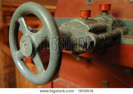 Adjusting Wheel For The Mechanism