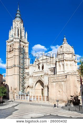 Panoramic view on  Cathedral de Toledo structured in gothic style dates from the 13th century.Toledo, Spain