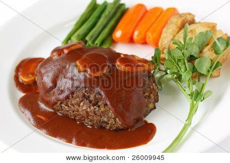 Salisbury steak com molho de cogumelo