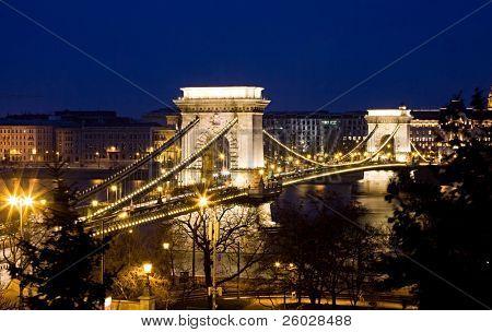 Budapest by night / Chain Bridge