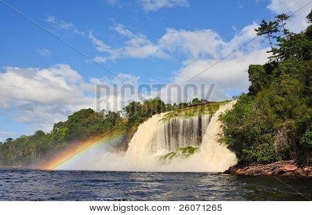 Cachoeira no Parque Nacional Canaima, Venezuela