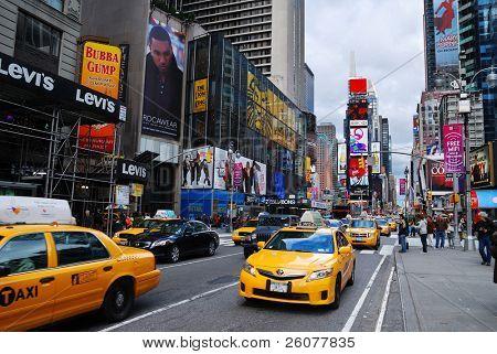 New York City Sep 5: times Square, gekennzeichnet mit Broadway Theatern und led-Zeichen, ist ein Symbol für n
